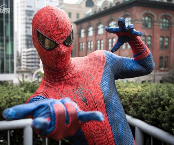 spider-man-peter-parker-cosplay-by-todd-whalen-and-meg-super-photography-5