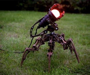 Hexapod Lamp is More Creepy than Cute