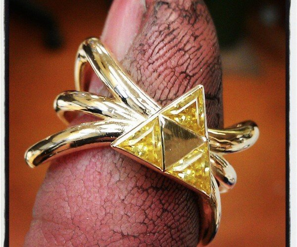 Zelda Triforce Ring Seals the Deal