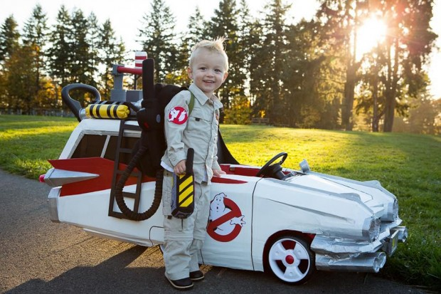 ghostbusters-ecto-1-push-car-by-Cory-Newton-Smith-and-Jeremy-Smith