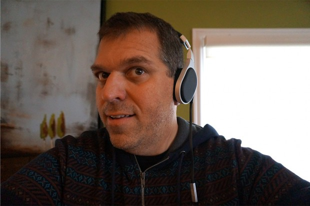 kef_m500_headphones_side