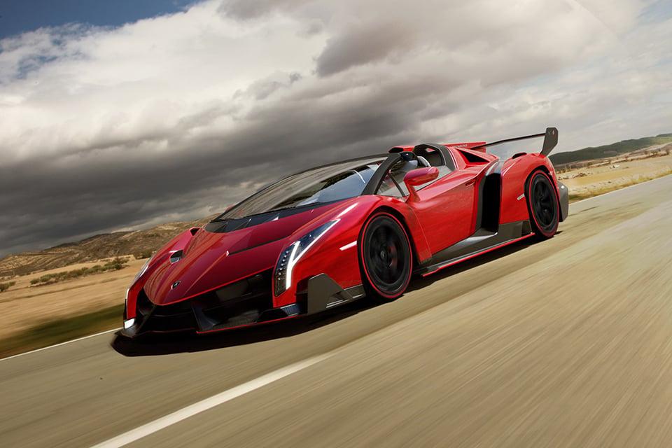 Lamborghini Veneno Roadster Packs 750hp V12 Under Its Carbon Fiber Hood Technabob