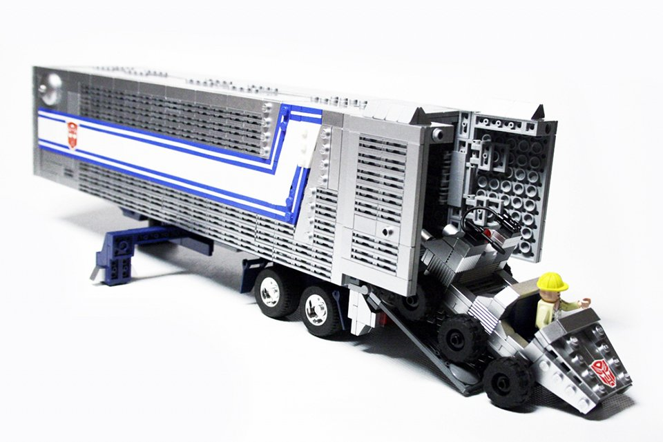 Lego G1 Transformers Optimus Prime By Orion Pax 10 Technabob