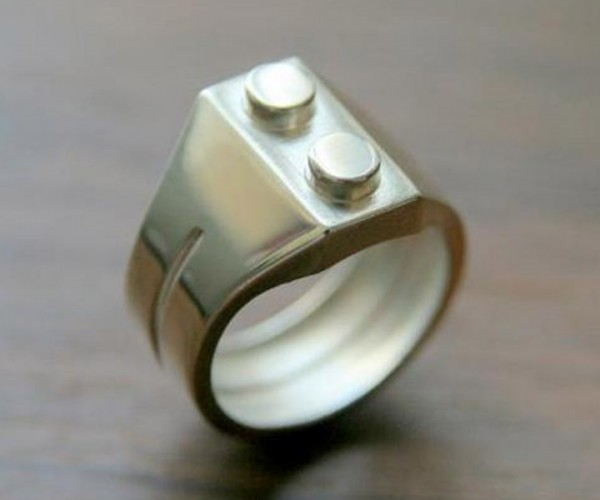 LEGO Brick Ring: If You Like It Then You Shoulda Put a Minifig on It