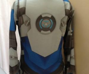 mass effect hoodie reversible by RetropopsugarUK 4 300x250
