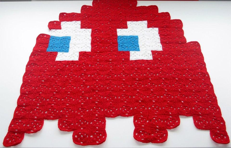 Pac-Man Ghost Crocheted Throws Keep Your Wakka Wakka Warm - Technabob