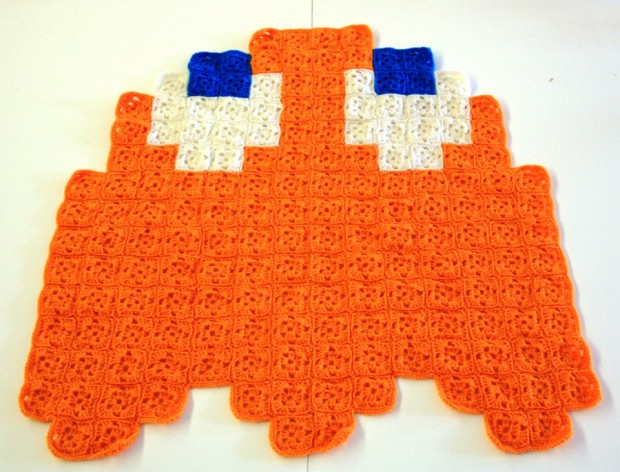 pac man crochet blanket 2 620x472