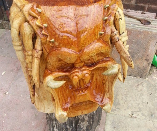 Predator Carved out of a Tree: Get to the Wood Choppa!
