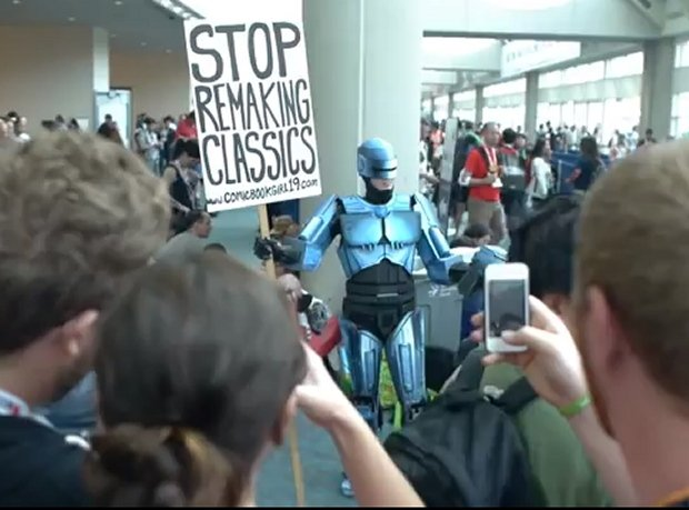 Robocop Cardboard Cosplay: I'd Make That for a Dollar