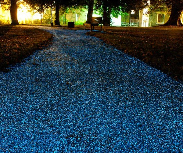Spray-on Starpath Makes Roads Glow Like the Starry Night Sky at Night