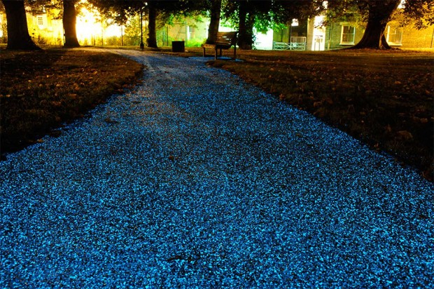 starpath_glowing_street
