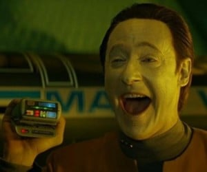 Man Sells Fake Medical Tricorder For $800,000