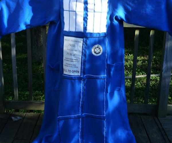 TARDIS Snuggie Is Toastier on the Inside