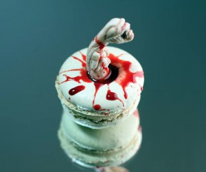 Alien Chestburster Macarons: Get in Me Belly (or Maybe Not)