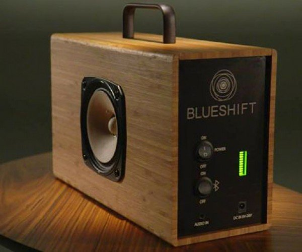 Helium Portable Speaker Charges in Five Minutes, Lasts Six Hours