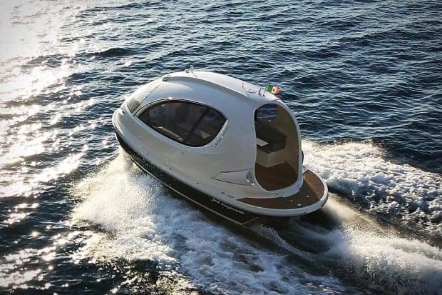 jet capsule boat yacht photo