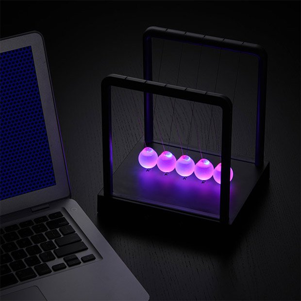 kinetic_light_newtons_cradle_1