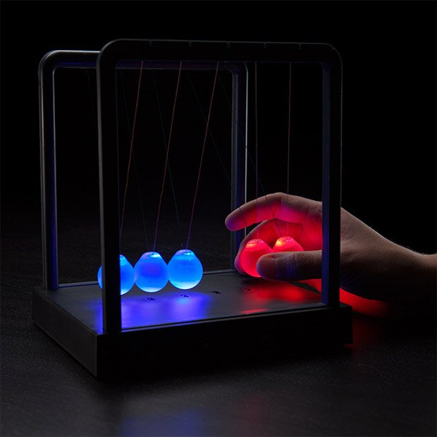 kinetic light newtons cradle 2