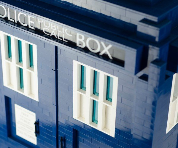 lego-tardis-doctor-who-1-3-scale-by-shelly-timson-5