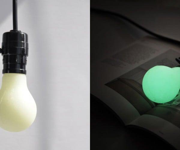 DIY Luminous Bulb: (Glow in the) Dark Bulb
