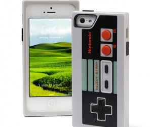 iPhone 5 NES Controller Case: Gamer's Bubble Wrap