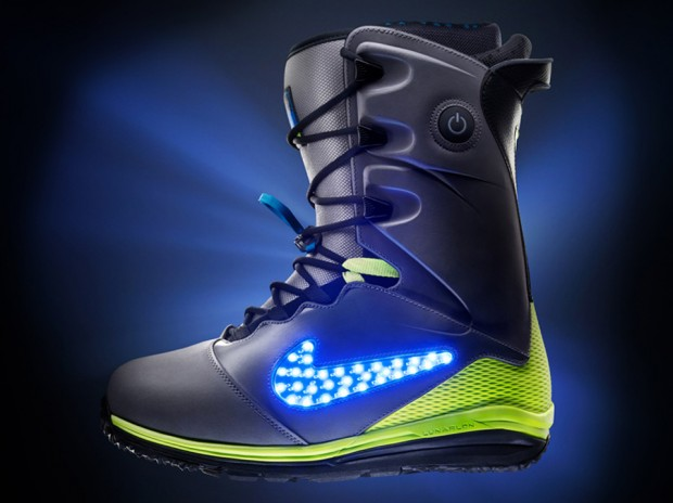 nike lunar endor snowboard boot photo