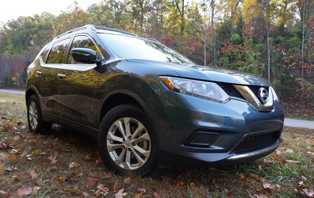 nissan_2014_rogue_front_angle