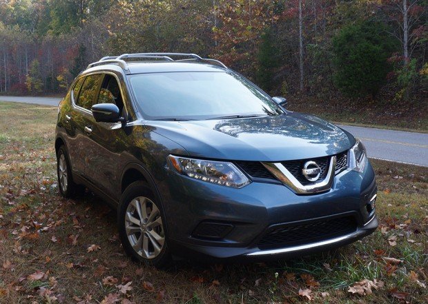 nissan_2014_rogue_front_angle_2