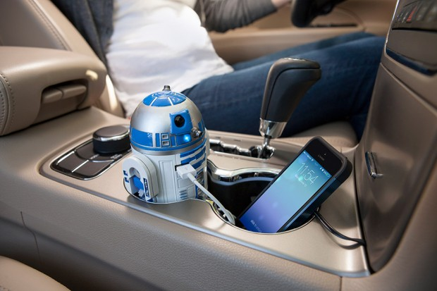 r2_d2_car_charger_1