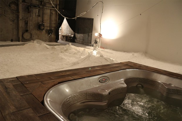 robot salt sculpture hot tub 620x413