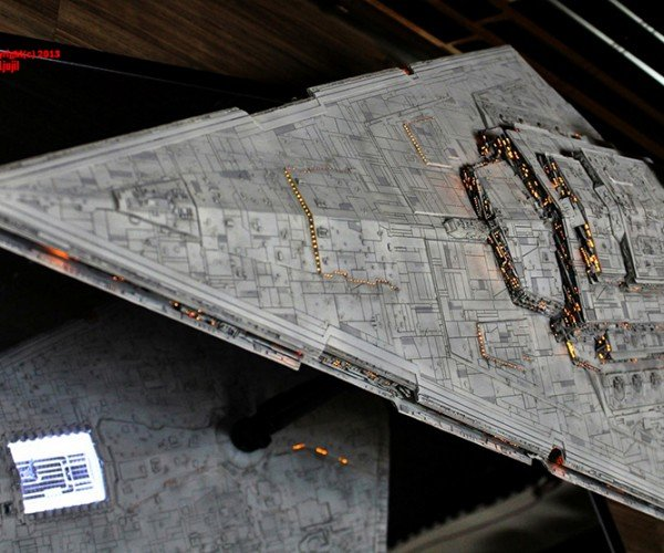 1:2256 Star Wars Imperial Star Destroyer: a Direct Assault on Your Eyes