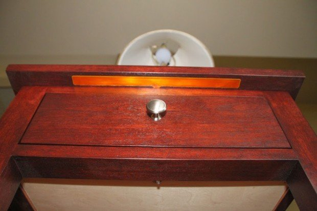 touch sensitive nightstand by tinkering techie 620x413