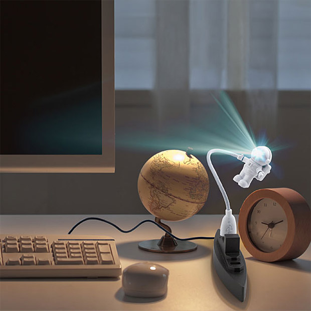astronaut usb light 2