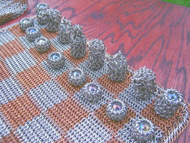 chainmaille chess set 3 620x465