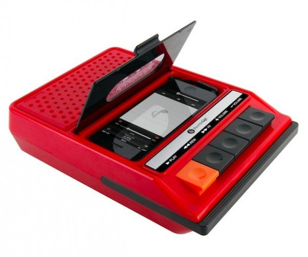 iRecorder: 1970s Cassette Tech for Your 21st Century Gadgets