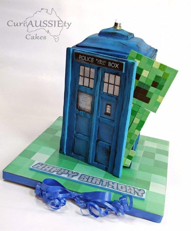 minecraft_tardis_cake_1