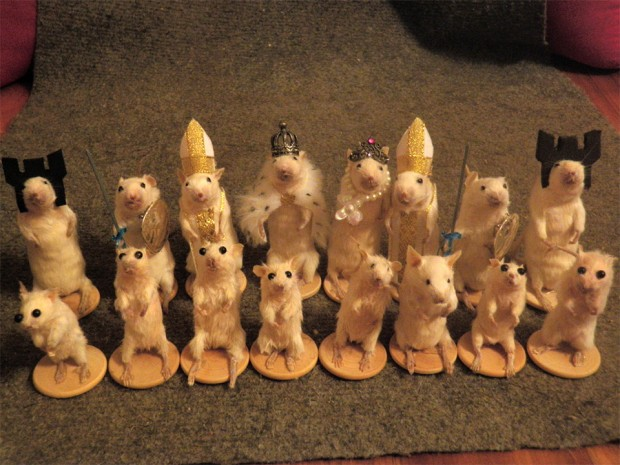 mouse chess set 1 620x465