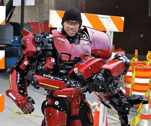 pacific-rim-crimson-typhoon-cosplay-by-brooklyn-robot-works-7