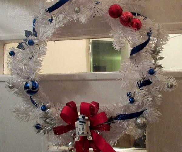R2-D2 Christmas Wreath: Astromech the Halls