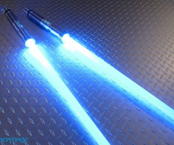 saberforge-double-bladed-staff-lightsaber-10