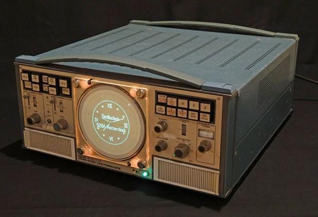 Tek-520A-VectorClock-by-Aaron-Oscilloclock-2