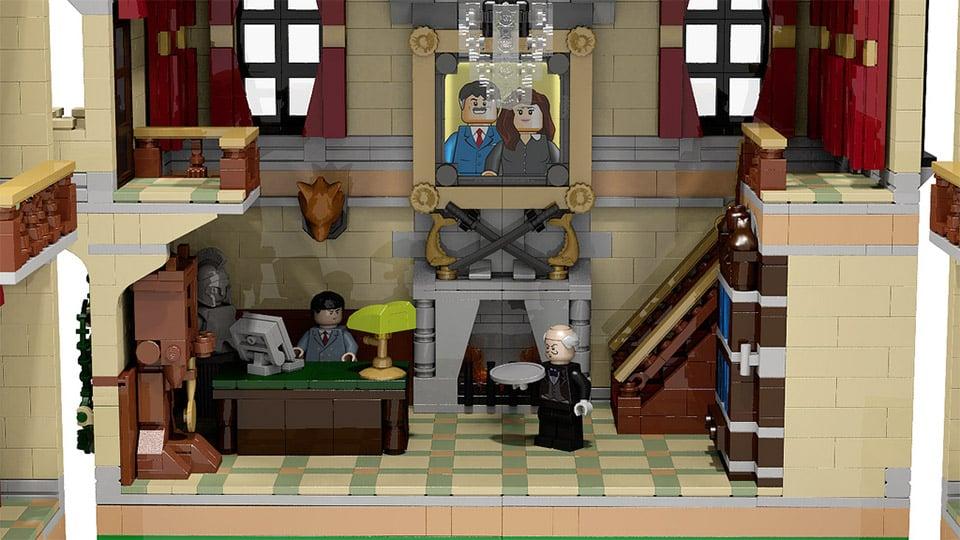 Batman Assault on Wayne Manor LEGO Set Looks Amazing ...