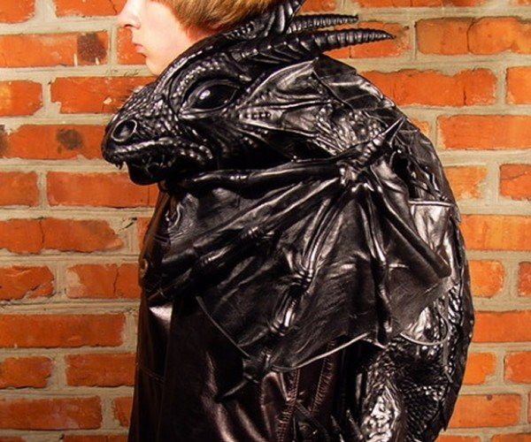 Dragon Backpack Helps Preserve Your Personal Space