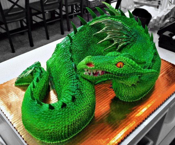 Epic Dragon Cake: Never Have Scales Looked So Delicious