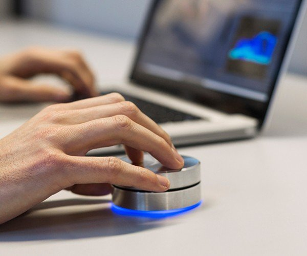 Griffin PowerMate Bluetooth for OS X:  Twist & Scrub