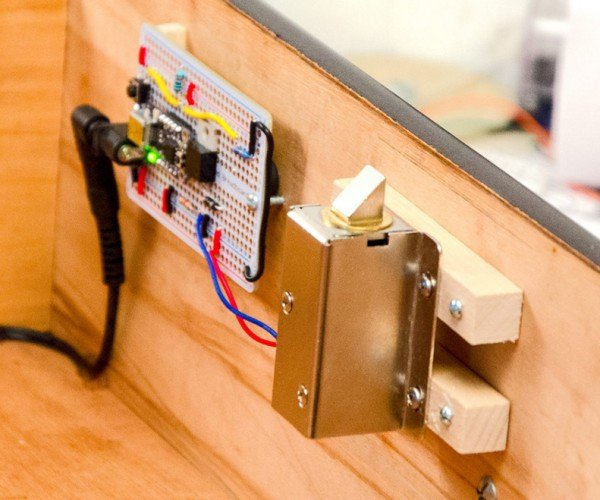 DIY Secret Knock Lock: Knock, Knock. Who's There?