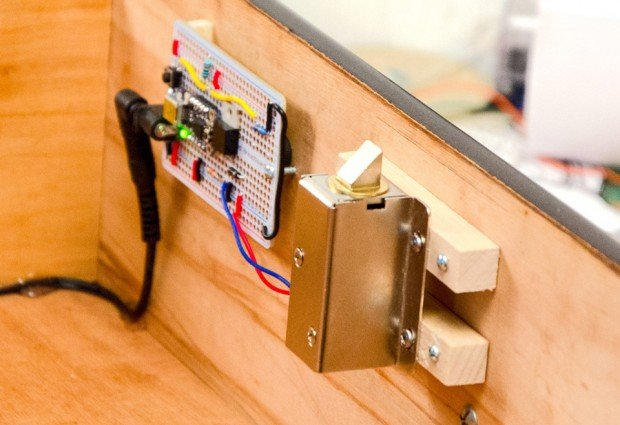 knock lock by steve hoefer and adafruit 620x425