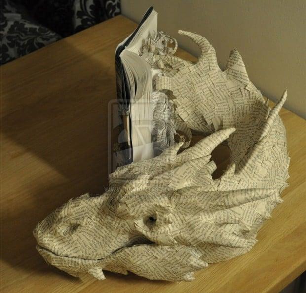 papercraft_smaug_book_3
