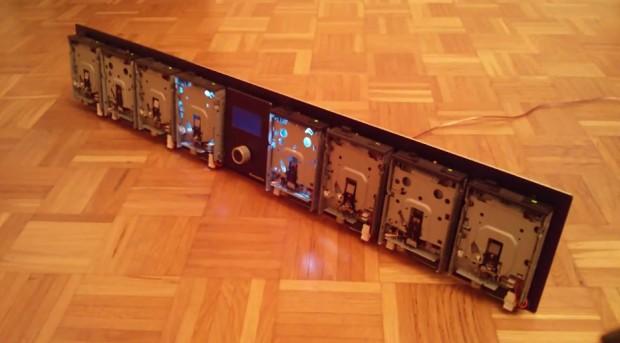 rumblerail-floppy-disk-jukebox-by-simon-schoar