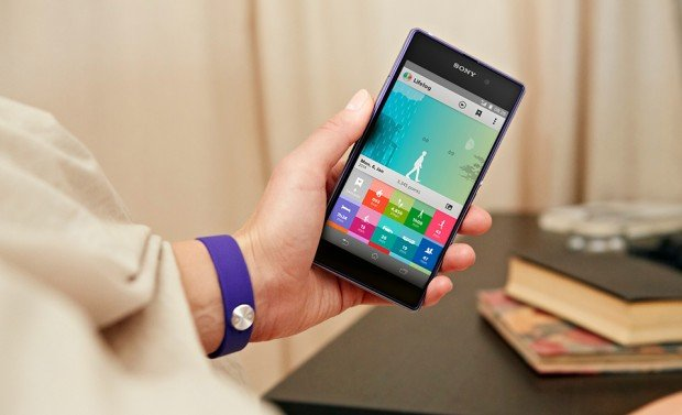 sony-smartband-lifelog-app-fitness-activity-tracker-2